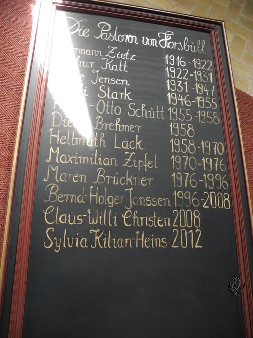 malen_am_meer_pastorentafel_kirche_gold_horsbuell_meeresmaler