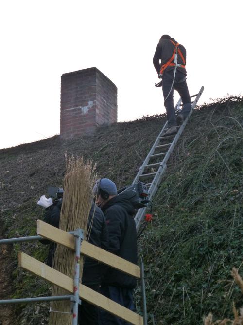 ... der Tietzer klettert aufs Dach ...